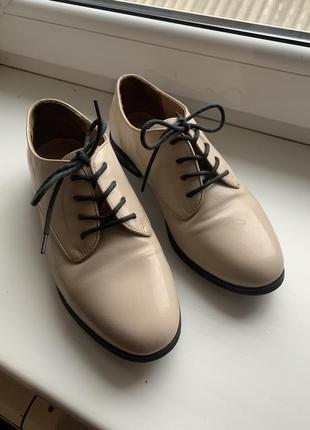 Лаковые/оксфорды/кожаные/туфли/низкий каблук/новые/осенние/весенние/стильные/