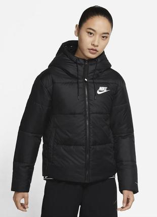 Женская зимняя куртка пуховик с капюшоном оригинал nike thermo fit