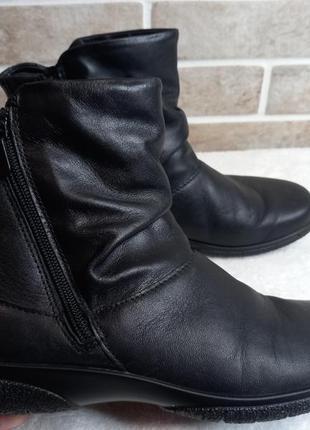 Ботинки демисезонные 38р