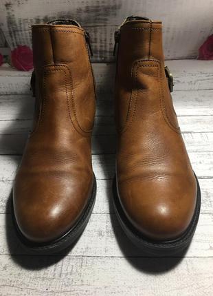 Кожаные ботинки tamaris р.39