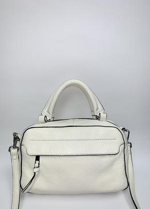Кожаная фирменная обьемная сумочка на/ в руку, на/ через плечо accessorize