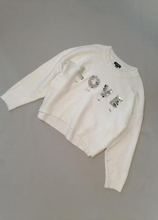 Белый укороченный свитерок свободного кроя