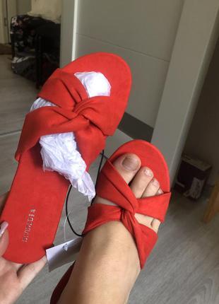 Новые шлепки летние шлёпанцы босоножки брендовые сандали divided