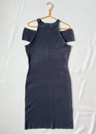 Платье с открытыми плечами incity