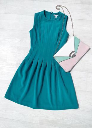 Массивное сине голубое красивое платье из плотной ткани в складочку h&m