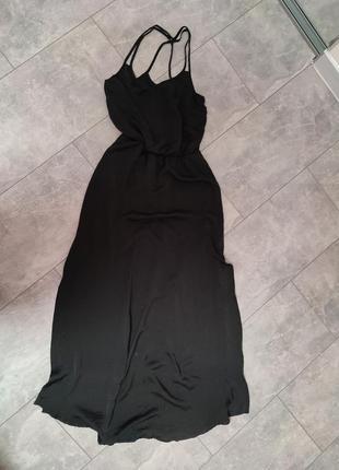 Черное нарядное платье в пол шелковое по бокам разрезы