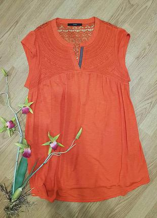 Яркая удлиненная футболка george с гипюром оранжевого цвета