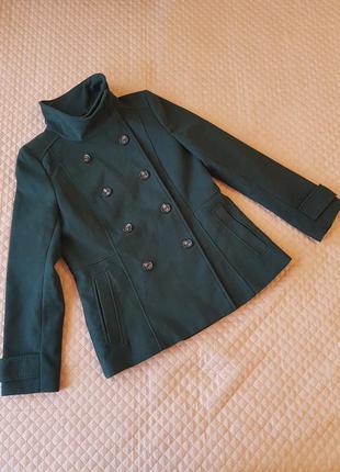Пальто зеленое h&m  осеннее