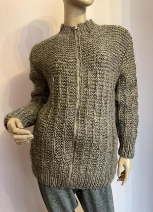 Очень тёплый свитер ручная вязка/s/brend italy