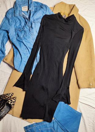 H&m платье чёрное по фигуре карандаш футляр с длинным рукавом с вырезами
