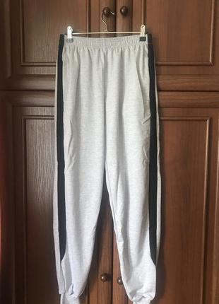 Спортивные штаны муж р.48 (новые) 190 грн.