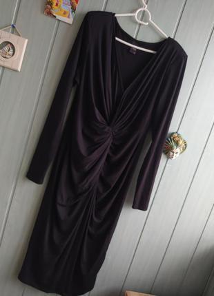 Стильное платье миди с длинным рукавом