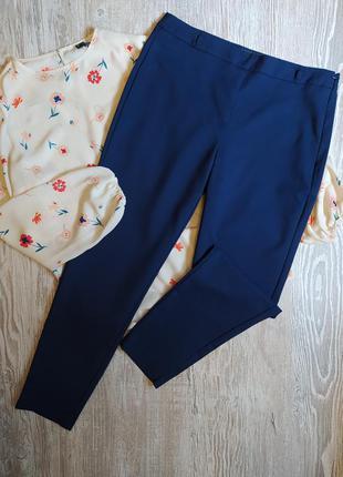 Темно синие зауженные брюки new look размер 12