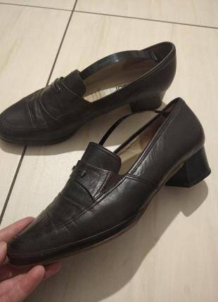 Шкіряні туфелькі
