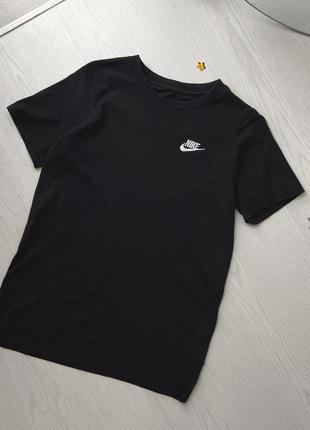 Трендовая базовая футболка чёрная найк nike