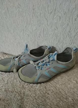Кросівки chameleon.