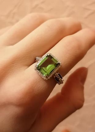 Стильное эксклюзивное серебряное кольцо с султанитом зултанитом перстень цсарит танатарит диаспор камень изменяющий цвет султанит тренд цепи