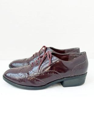 """Стильные брендовые лаковые туфли, броги """"new look"""". размер uk 7/eur 39-40."""