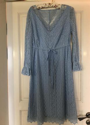 Кружевное платье.