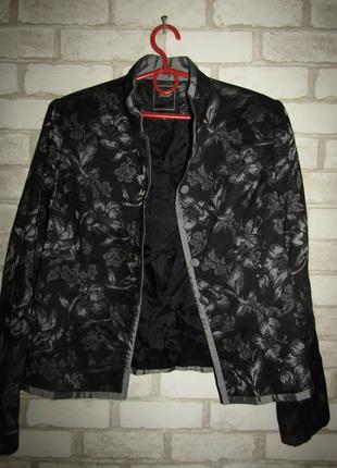 Красивый пиджак жакет р-р 12-л бренд pulls