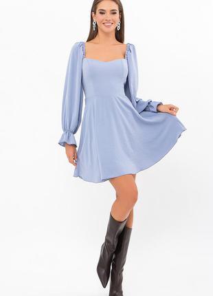 Короткое платье приталенное с пышной юбкой с объемными рукавами синий 2 цвета