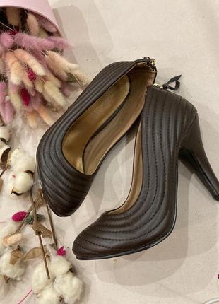 Кожаные туфли  лодочки  в стиле zara