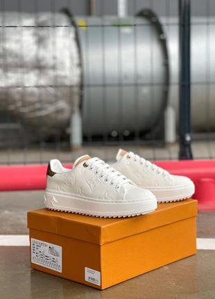 Шикарные кожаные кроссовки белые