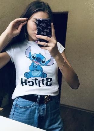 Белая футболка со стичем stitch