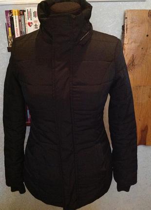 Стёганная, приталенная куртка бренда jt, р. 44-46