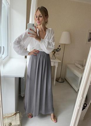 Серая длинная юбка