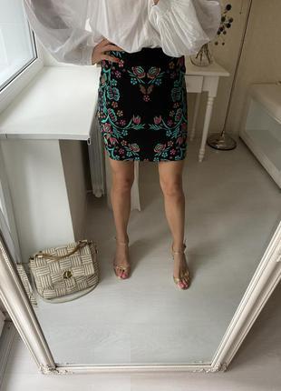 Юбка с вышивкой