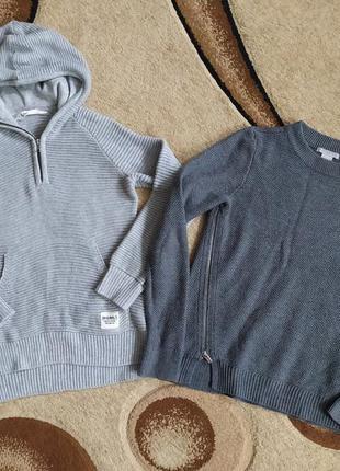 Тёплые кофточки, свитера набором. две кофточки набором.