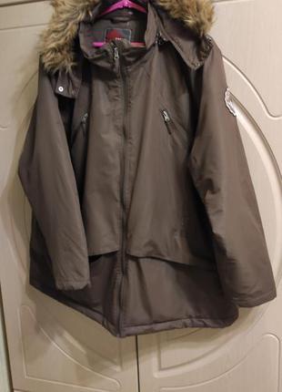 Женская деми куртка с каюшоном, холодная осень р. 60-62
