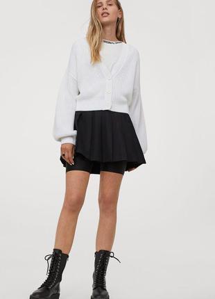 Черная мини юбка в складки