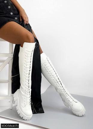 Женские белые кожаные сапоги ботинки берцы на платформе ботфорты демисезонные на шнуровке