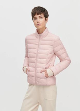 Розовая стёганая куртка