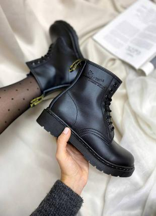 Ботинки dr. martens 1460 total black logo