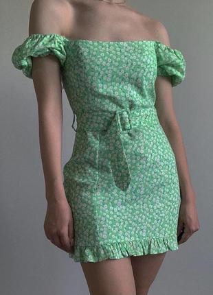 Зеленое платье в цветы/ромашки на спущенных плечах/с объемными рукавами зара/zara