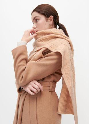 Новый теплый шарф reserved светлый кэмел шаль в составе шерсть палантин вязанный зимний бежевый