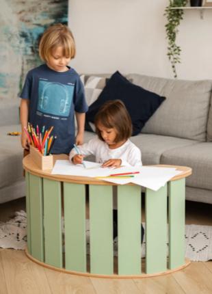 Столик для дерев'яної дитячої качалки, виконаний з еко-матеріалів