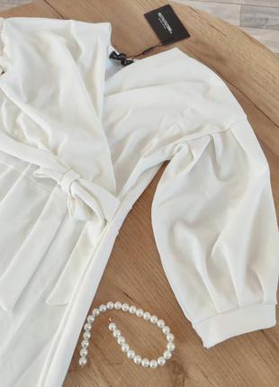 Новое белое платье миди от prettylittlething нарядное платье с объемными рукавами (бирка!)