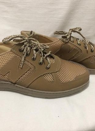 Кроссовки спортивные туфли