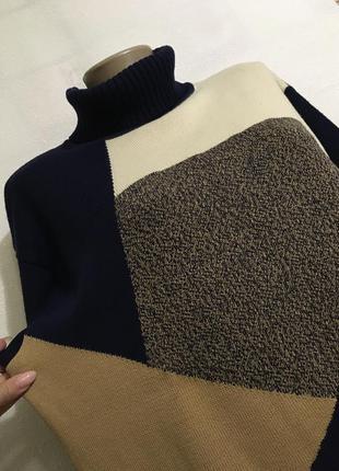 Стильный свитер 40% шерсть