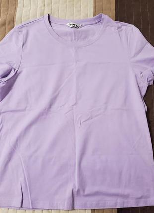 Лавандовая футболка