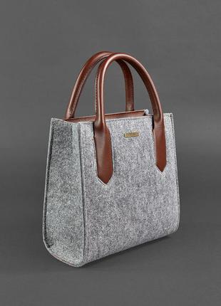Фетровая женская сумка-кроссбоди с кожаными коричневыми вставками