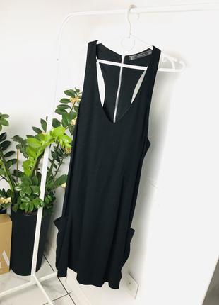 Стильное расклешенное платье с карманами и молнией на спине от zara