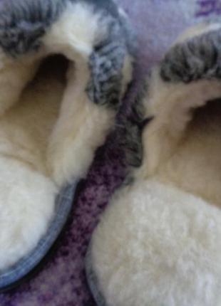 Тапочки из плотной, толстой шерсти на прорезиненной подошве. снова в наличии размеры
