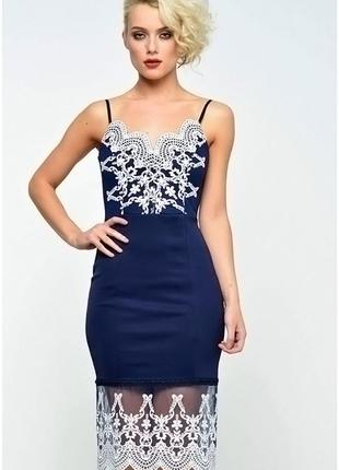 Платье трикотажное с вышивкой lipsy