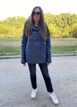 Высококачественная свободная демисезонная осенняя куртка от производителя.