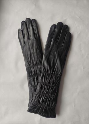 Удлинённые кожаные женские перчатки